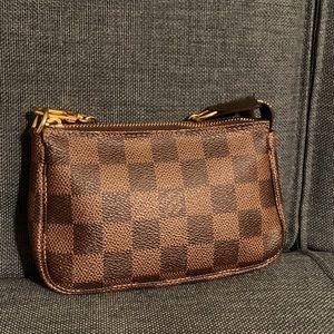 Louis Vuitton Damier Mini Pochette